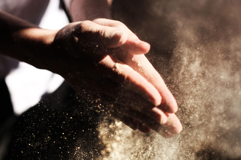 Hands-Clap-Dust